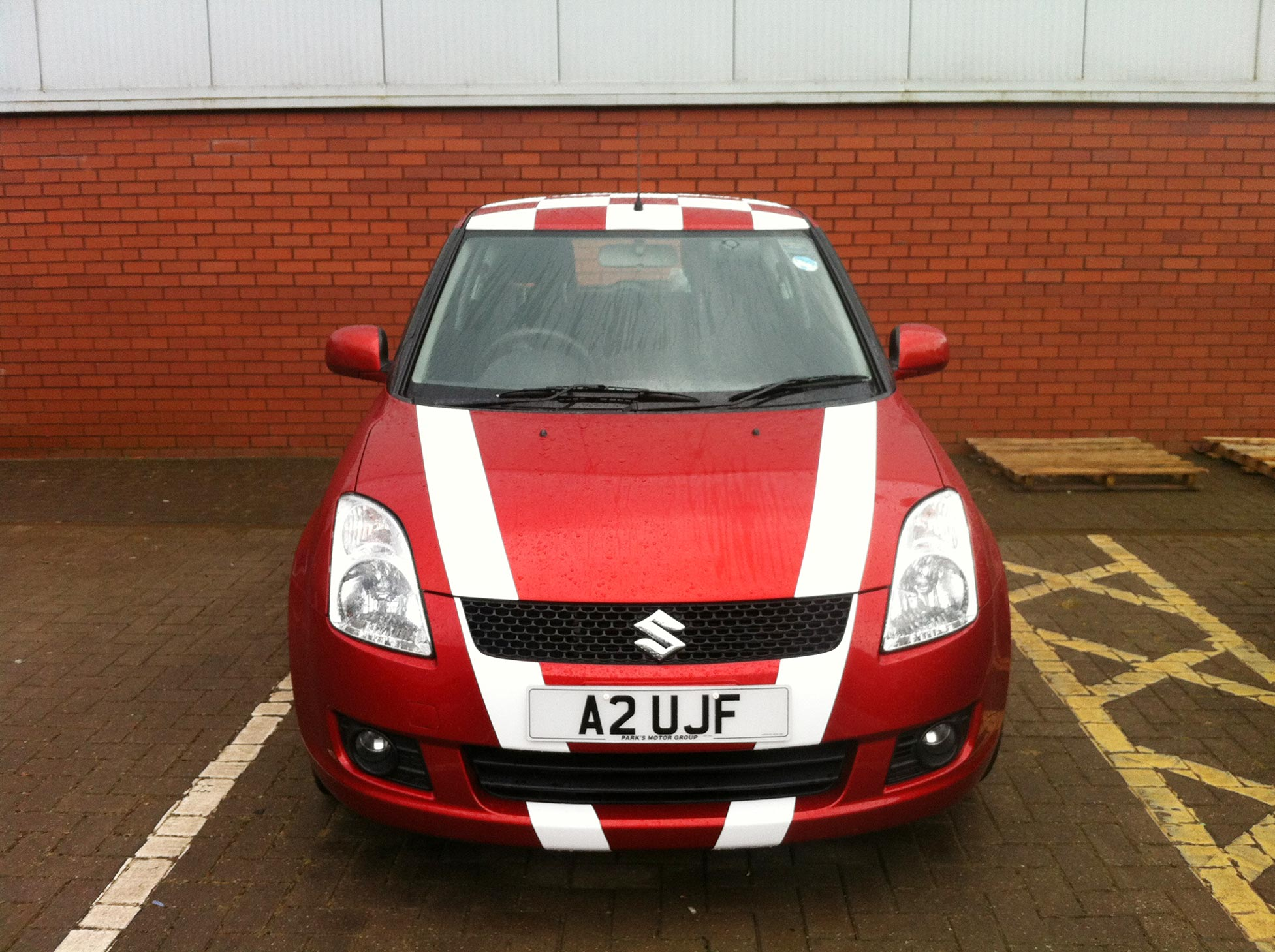 Suzuki Swift Sport Stripes In Gloss White Vinyl And Chequered Roof