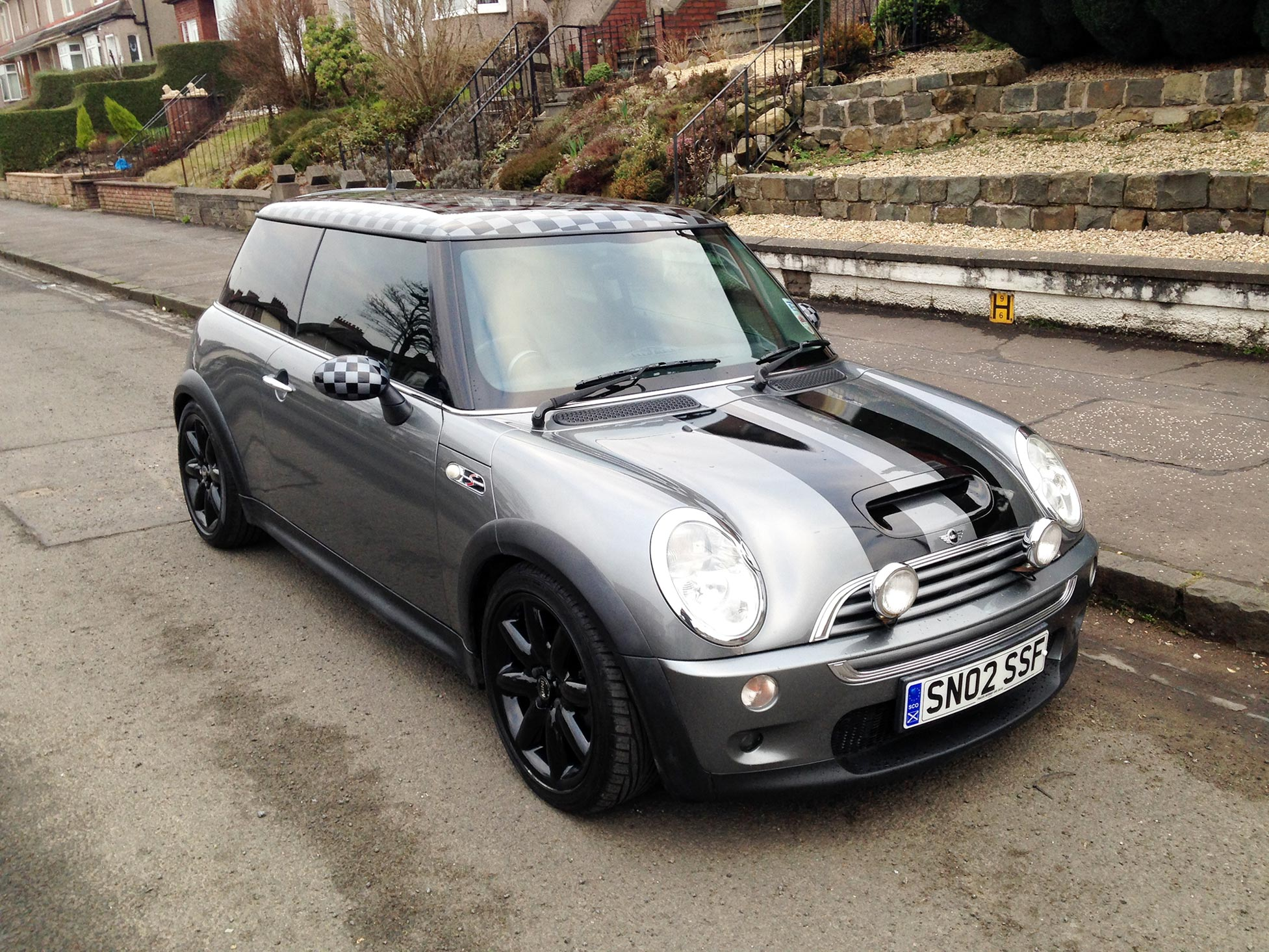 Mini Cooper S With Chequered Roof And Mirror Graphics And Stripes