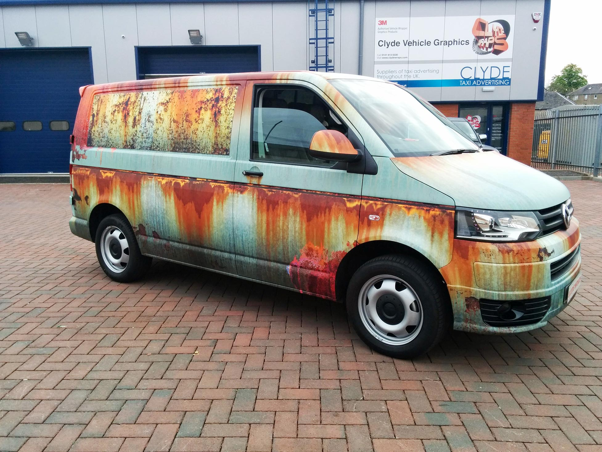 VW T5 Sportline With Unique Photorealistic 'Rusted' Rat-Rod Look Graphics